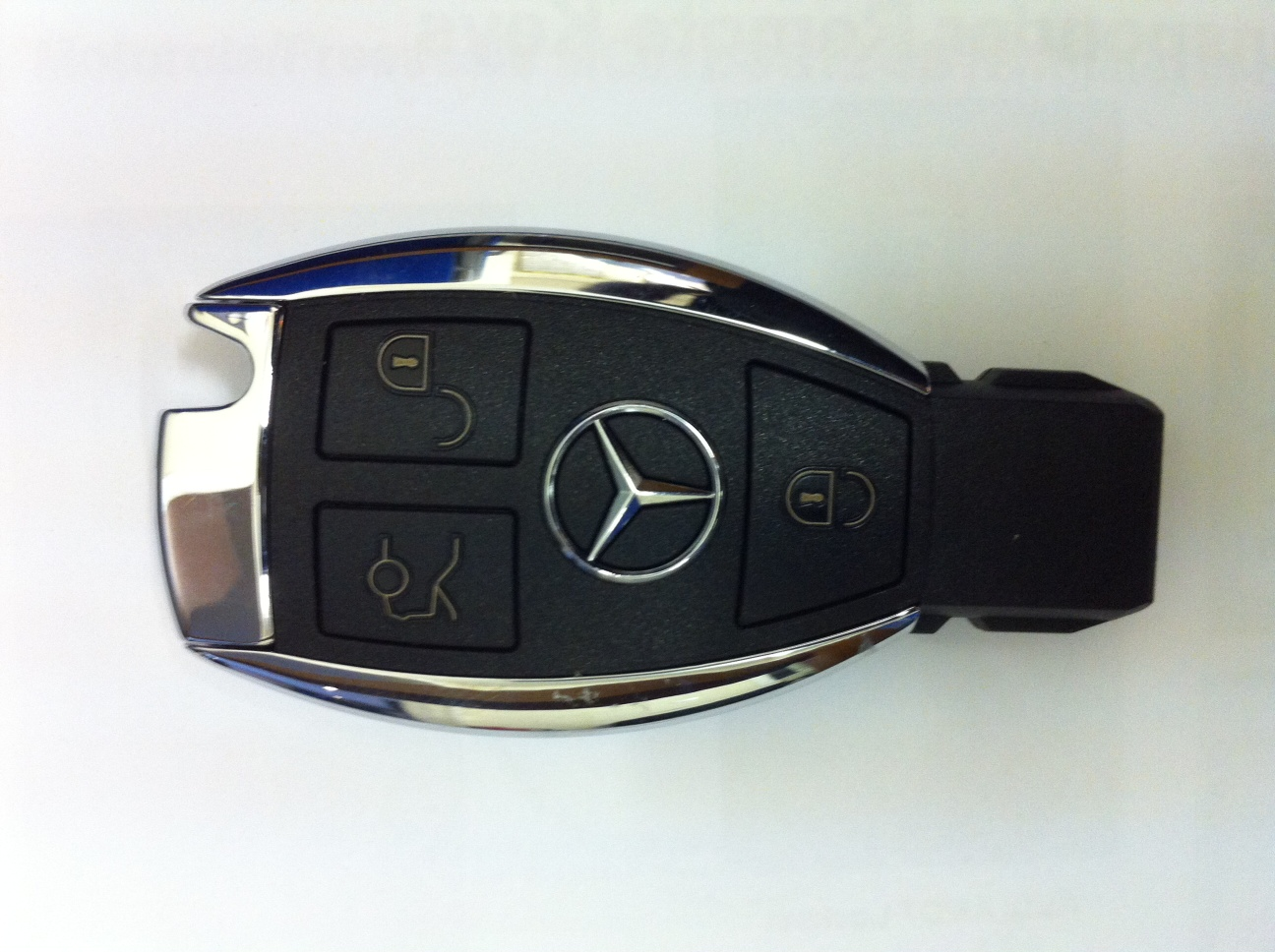 Volkswagen audi group software for car diagnostic vag for Key for mercedes benz cost